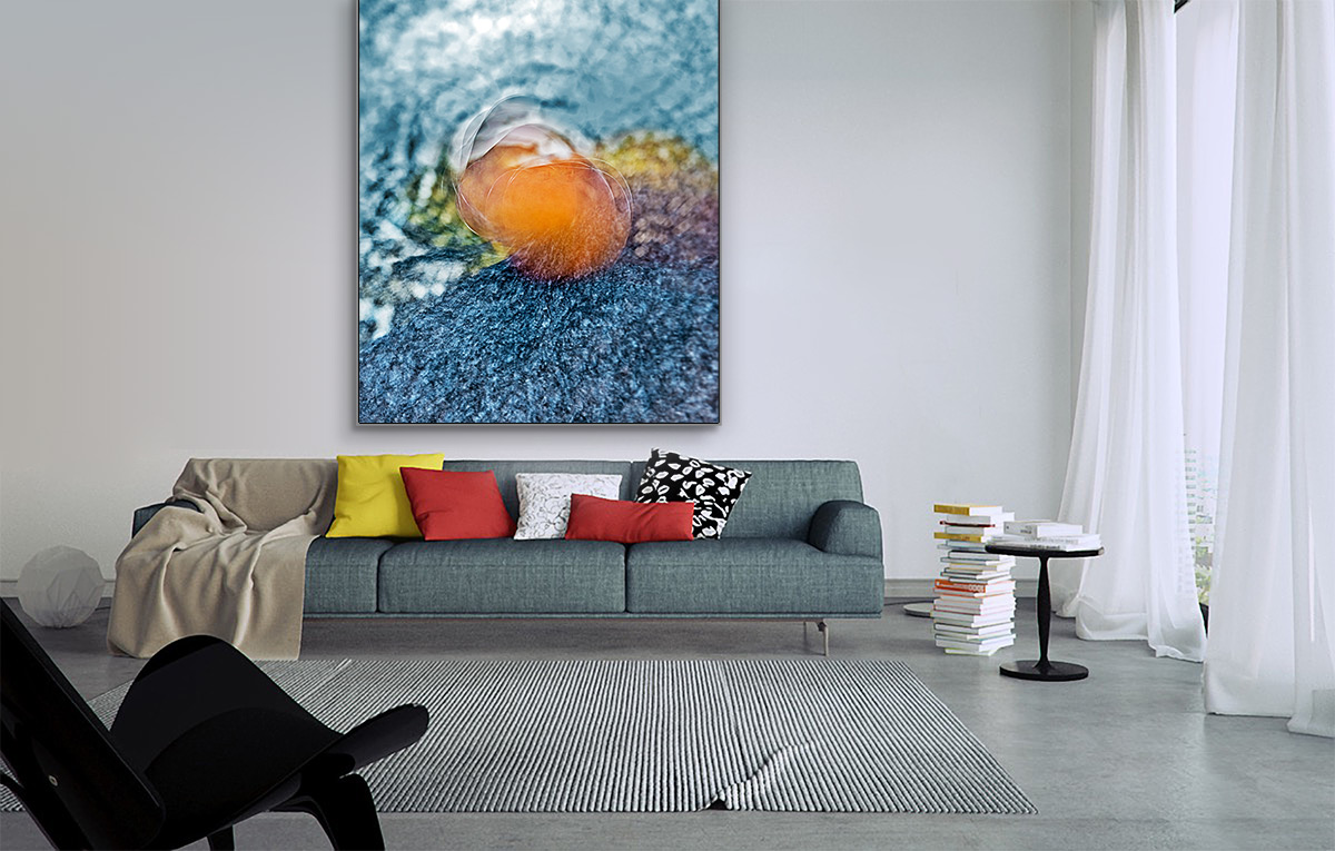 large-wall-art-in-interior-apple